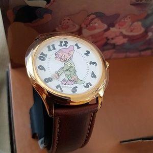 VINTAGE Disney Dopey Watch